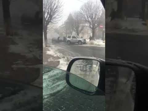 Голос Карпат: Автомобіль загорівся в центрі Виноградова - Голос Карпат