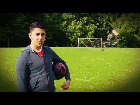 AnEsonGib Plays Football