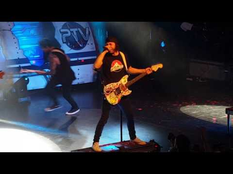 Pierce The Veil - Dive In Opening of Misadventures Tour (live at O2 Academy Birmingham 26/11/2016)