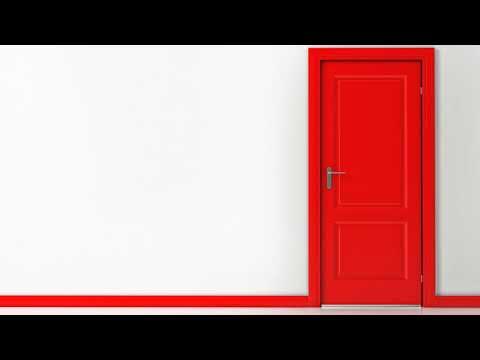 Как удалить жирные пятна с дверей?