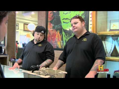 Pawn Stars play Virtual Boy (HD, Jan 31, 2011)
