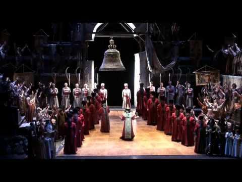 Russian bass Mikhail Kazakov and the Dallas Opera Chorus in BORIS GODUNOV