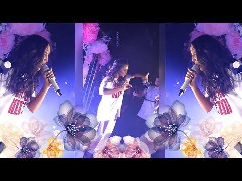 Бузова спела в живую новую песню Она Не Боится🎤взорвала клуб своими танцами