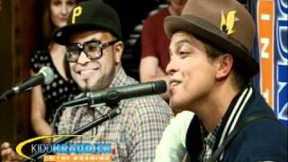 Bruno Mars - Lazy Song Live [Exclusive]