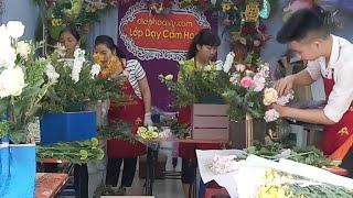 Dạy Cắm Hoa 3D Tại Lớp Dạy Cắm Hoa Điện Hoa Lily