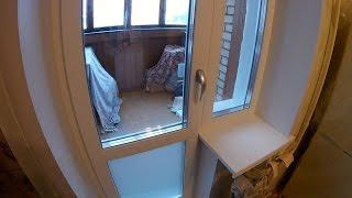 видео остекление окон с балконной дверью