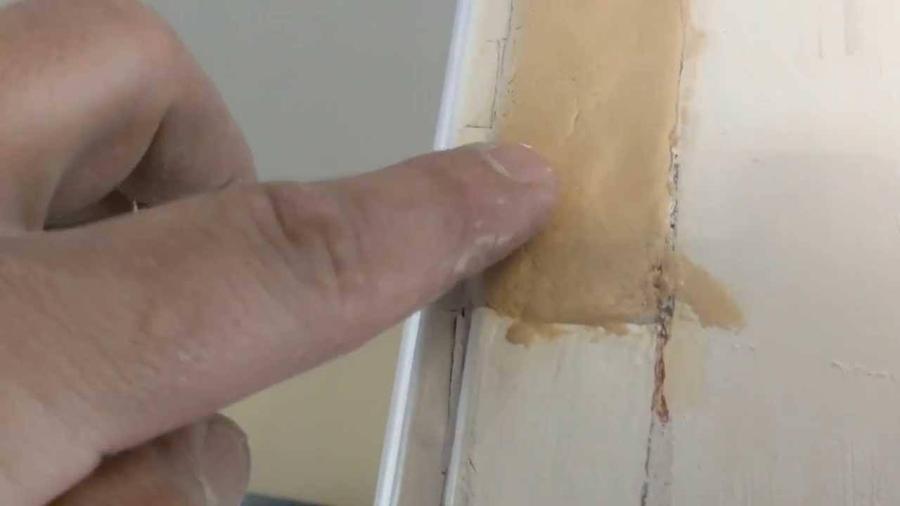 Como reparar huecos en madera con masilla - YouTube