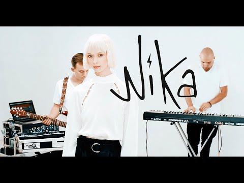 Nika -  Bee   Live Session