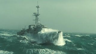 Эпическое зрелище - шторм в океане