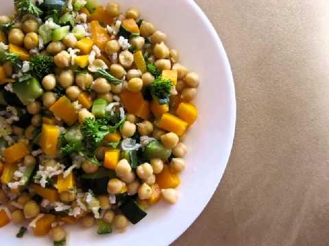 Recetas de cocina vegetariana Quinoa con cebolla tomates secos y berenjena  YouTube