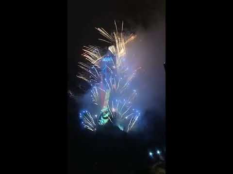 Taiwan Travel: New Year's Eve at Taipei 101 watching fireworks and light show display 2018