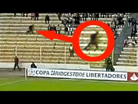 6 Video bóng ma trên sân bóng đá - camera ghi lại