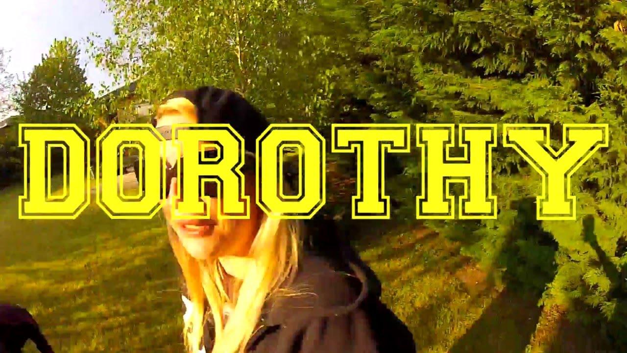 dorothy-szabadsag-nagybetukkel-official-lyric-video-dorothy-zenekar
