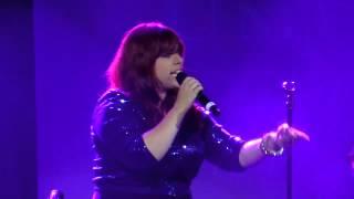 "Alysha Umphress - ""who's Lovin' You"" At Broadway Sings Michael Jackson"