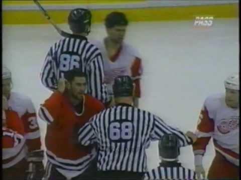 Greatest hockey sucker punch EVER - MUST SEE