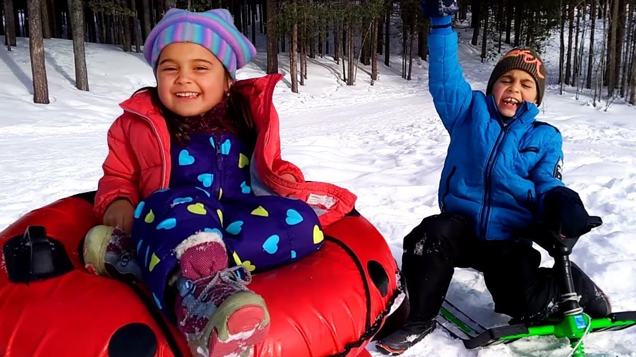 Fındık ailesi. Mikail'in ve Meryem'in kar eğlencesi