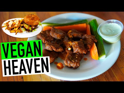 EATING A VEGAN BIG MAC & MORE AT GREEN NEW AMERICAN VEGETARIAN | PHOENIX, ARIZONA