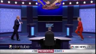 Дональд Трамп танцует с Хиллари Клинтон