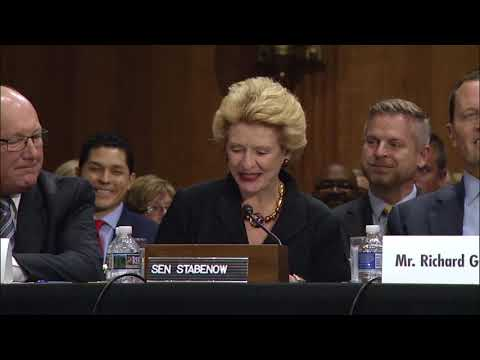 Senator Stabenow Introduces Pete Hoekstra to Foreign Relations Committee