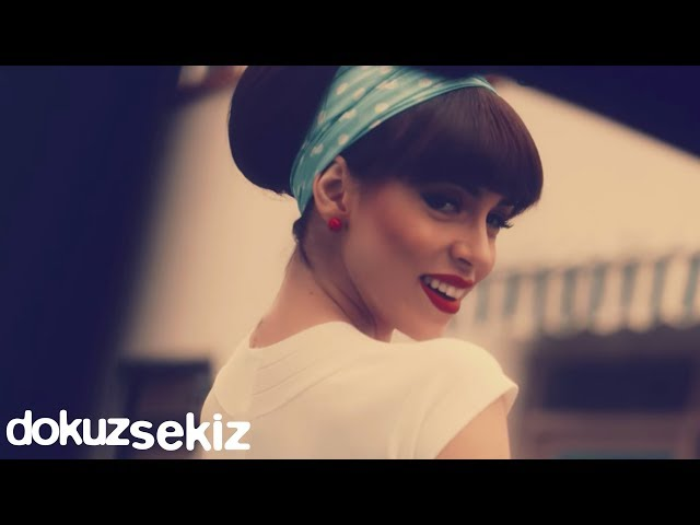 Cansu - Kalk Gel Bana (Official Video)