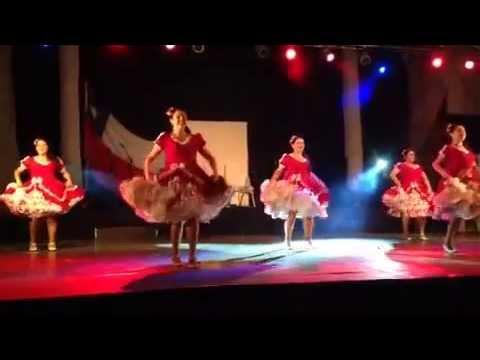 Coreografía cueca mujeres - Familia Chilena