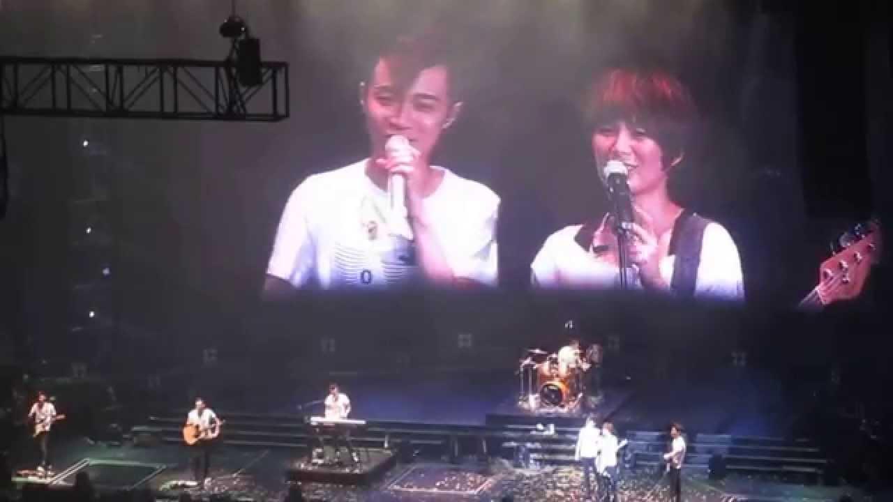 蘇打綠香港演唱會 20140412 玩一起喔喔+小威求婚+王宛之 - YouTube