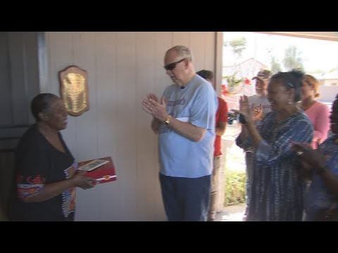 VIDEO: Meet a Phoenix grandmother dedicated to helping the homeless