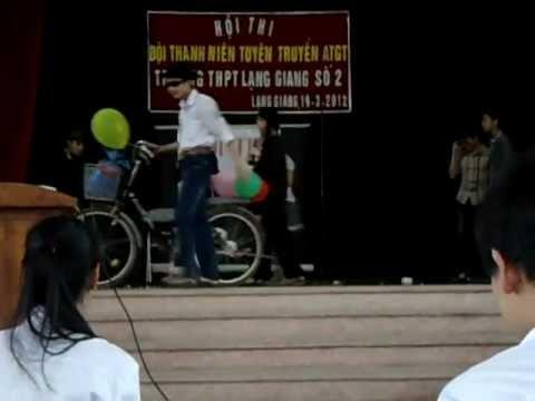 Kịch an toàn giao thông-11a1(2010-2013)-THPT Lạng Giang số 2.AVI