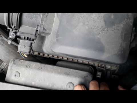 How to clean air filter of Hyundai  I20 Elite