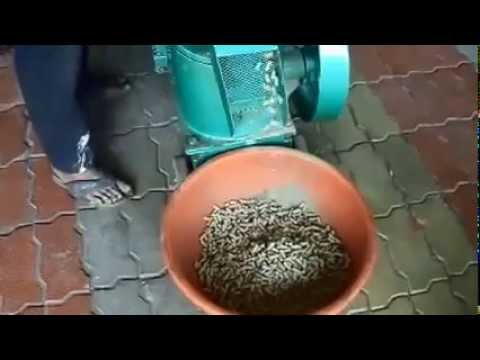 Cattle feed,poultry feed,pellet mill,fish feed,can be made easily by this machine