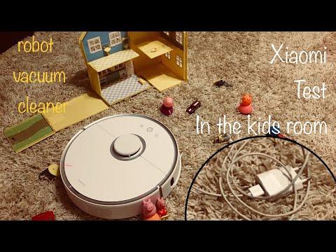 Roborock Xiaomi top best robot vacuum cleaner in kids room on carpet with toys best robot cleaner