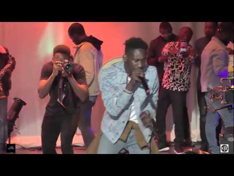 Mr Eazi - Leg Over ft Wizkid , Eddie Kadi & Maleek Berry Live In Chicago 2017 Video Hd
