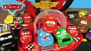 DISNEY CARS LIGHTNING MCQUEEN WINS PISTON CUP RACE THE KING CHICK HICKS PLAYSET LAUNCHER