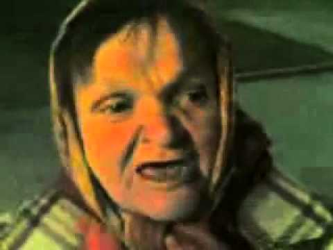 Бабка читает рэп...