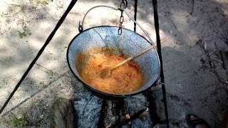 Венгерское Лeчо на костре. Самый классический рецепт приготовления.