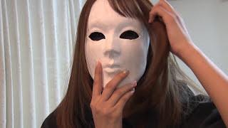 とあるニチヨル撮影時のオフショット ヴェネチアンズ1号の仮面に興味を...