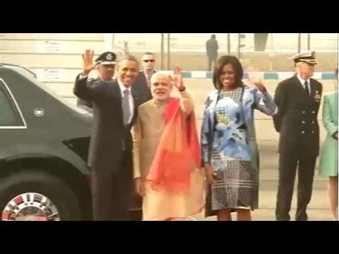 PM Modi receives President Obama at Delhi Airport