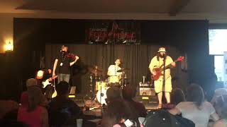 Cover of Ain't No Sunshine - Aleksi Closing the Canmore Folk Festival Pubstage