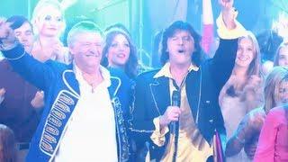 Boris chante Soirée Disco et met le feu aux Années Bonheur de Patrick Sebastien
