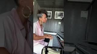 Alicia Keys Singing Ocean Eyes by Billie Eilish