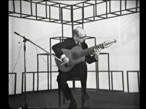 Narciso Yepes plays Bach Prelude