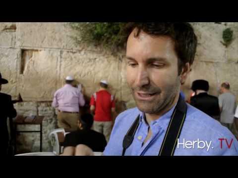 Avec Éric Salvail et François Bugingo à Jérusalem au Mur des lamentations