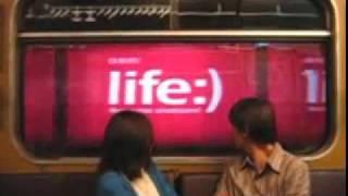 Анимационная реклама в метро(публикуем граффити- и рекламную анимаю в метро. мы пытались сделать что-то подобное в нашем метрополитене..., 2011-06-06T18:25:11.000Z)
