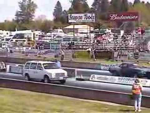 World S Fastest 4 Cylinder Dodge Minivan Youtube