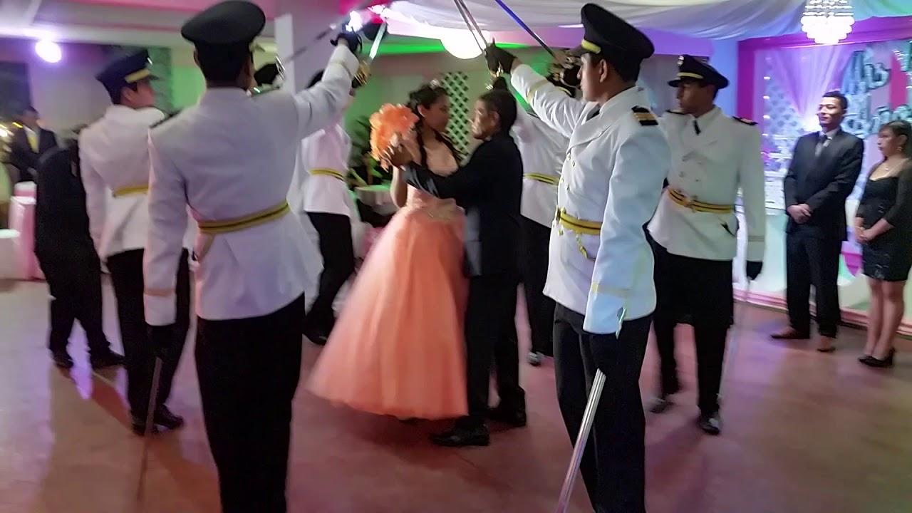 día escolta baile