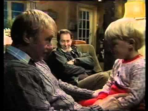 Emmerdale Farm Christmas-ish 1986 Ross Kemp, Part 2 of 2.из YouTube · Длительность: 11 мин24 с