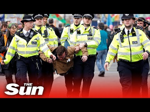 Police descend on Extinction Rebellion protest making hundreds of arrests