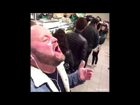 Uomo che canta canzoni famose  ( parte 2 )