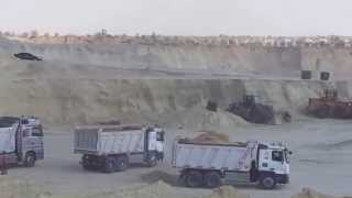 Suez Canal new: a scene in the dig October 16, 2014