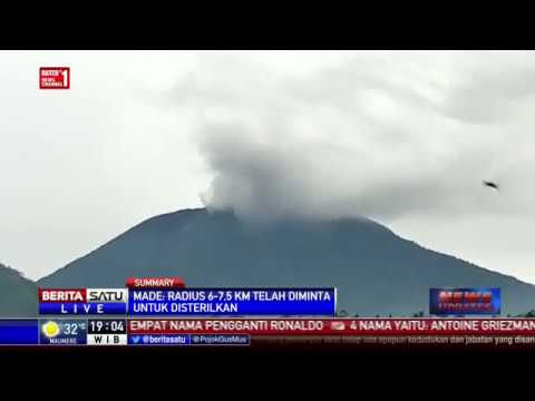 Gunung Agung Meletus, Asap Tebal Membubung Setinggi 700 Meter